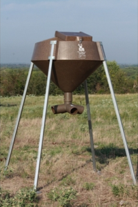 deer feeder hunting products